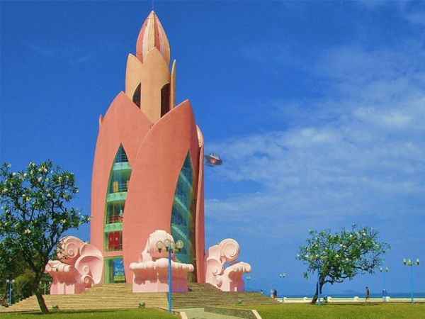 Nha Trang Tram Huong Tower
