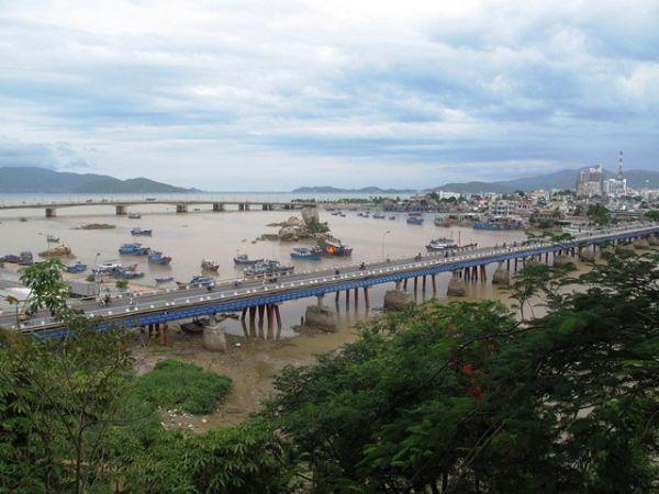 Xom Bong Bridge Nha Trang